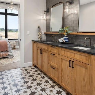 SomerTile Royals Estrella Nero Ceramic Floor and Wall Tile (Case of 5)|https://ak1.ostkcdn.com/images/products/12064621/P18933610.jpg?_ostk_perf_=percv&impolicy=medium