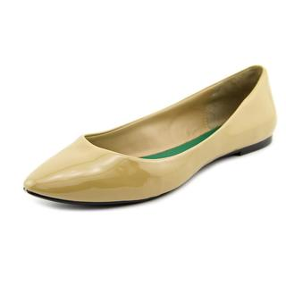 Mia Women's 'Amanda' Tan Patent Leather Flat Shoes