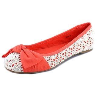 Dolce by Mojo Moxy Women's Buttercup Orange/White Crochet Casual Shoes