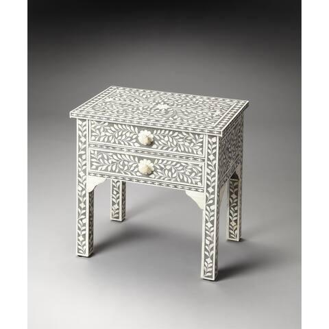 Handmade Butler Vivienne Gray Bone Inlay End Table (India)