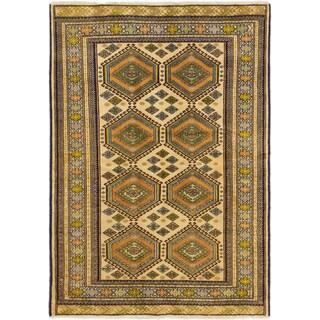 eCarpetGallery Shiravan Bokhara Cream/Khaki Wool Geometric Rectangular Rug (4'2 x 5'11)