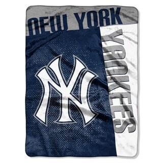 MLB 0802 Yankees Strike Raschel Throw
