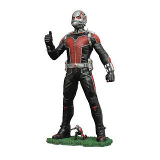 Diamond Select Toys Marvel Gallery Ant-Man Movie PVC 9-inch Action Figure