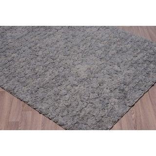 Grey Felt/Wool/Cotton Flower Petal Shag Rug (5' x 7'6) - 5' x 7'6