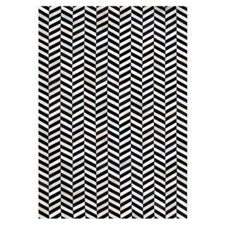 Black/Ivory Leather/Felt Hand-stitched Chevron Cowhide Rug (5' x 8') - 5' x 8'