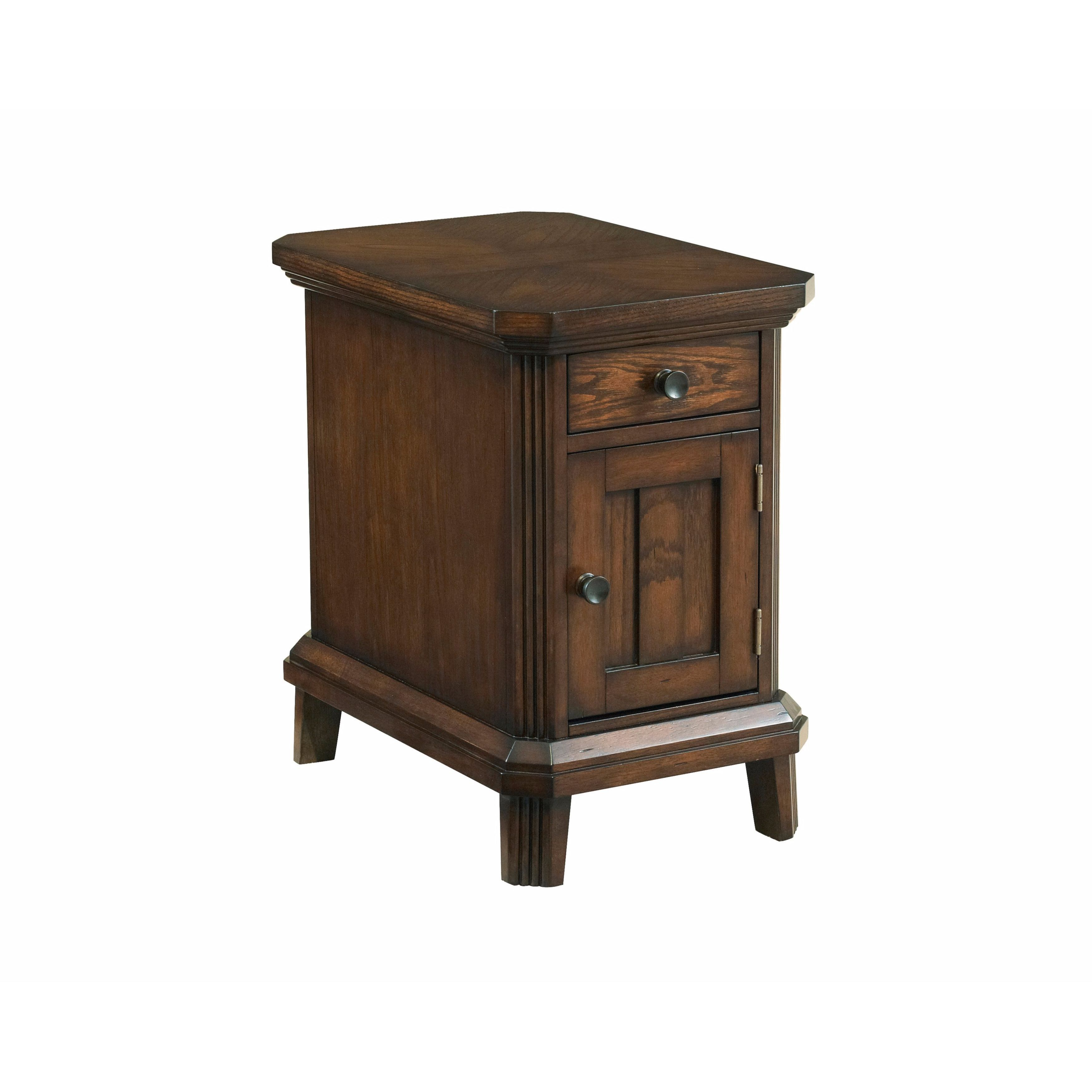 Broyhill Furniture Estes Park Chairside End Table (Brown)