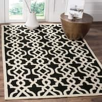 Safavieh Hand-Hooked Four Seasons Black/ Ivory Polyester Rug - 5' x 8'
