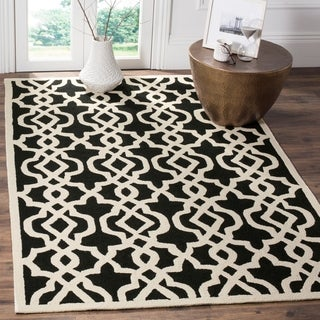 Safavieh Hand-Hooked Four Seasons Black/ Ivory Polyester Rug (9' x 12')
