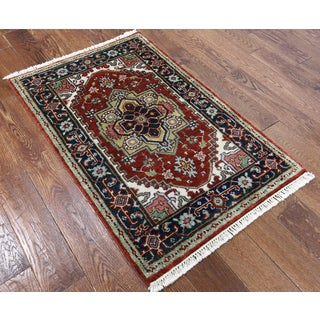 Heriz Red Wool Hand-knotted Oriental Rug (2' 8 x 4' 3)