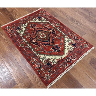 Red Wool Oriental Heriz Hand-knotted Rug (2'9 x 3'10)