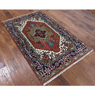 Red Hand-knotted Wool Oriental Heriz Rug (3'1 x 5'1)
