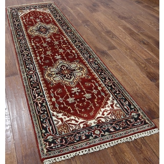 Red Wool Oriental Heriz Hand-knotted Rug (2'6 x 7'10)
