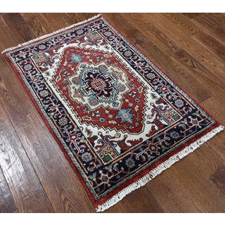 Red Wool Hand-knotted Oriental Heriz Rug (2'7 x 3'10)