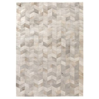 Exquisite Rugs Natural Ivory Hair-on Leather Rug (5' x 8')