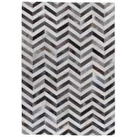 Exquisite Rugs Chevron Hide Grey / White Leather Hair-on-hide Rug (13'6 x 17'6) - 13'6 x 17'6
