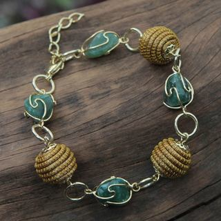 Handcrafted Gold Overlay 'All Aglow in Green' Agate Bracelet (Brazil)