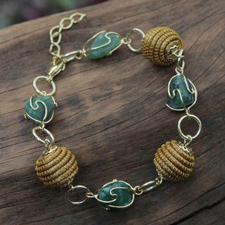 Handmade Gold Overlay 'All Aglow in Green' Agate Bracelet (Brazil)