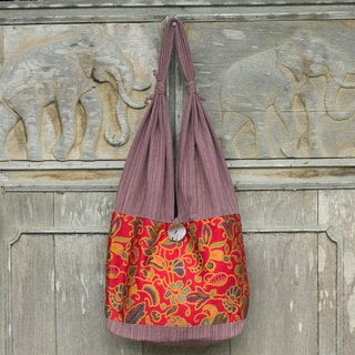Handcrafted Cotton 'Floral Wilderness' Sling Bag (Thailand)