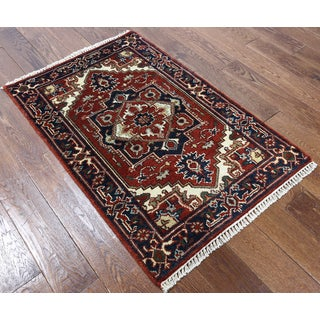Hand-knotted Oriental Heriz Red Wool Rug (2'8 x 4')