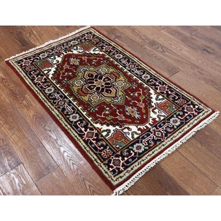 Hand-knotted Oriental Heriz Red Wool Rug (2'7 x 4'1)