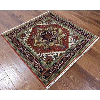 Heriz Red Wool Hand-knotted Oriental Rug (4'1 x 4'2)