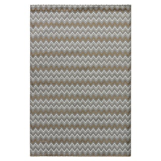 Youth Geometric Pattern Neutral/ White Polypropylene Area Rug (7'6 x 9'6)