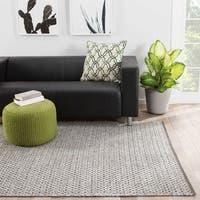 "Nikos Indoor/ Outdoor Trellis Gray/ White Area Rug (7'6"" X 9'6"")"