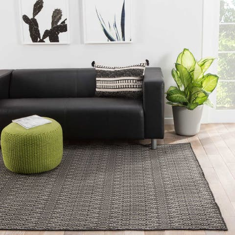 Tomaz Indoor/ Outdoor Geometric Black/ Gray Area Rug (5' X 8') - 5' x 8'