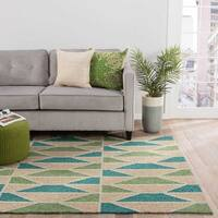 "Quinn Indoor/ Outdoor Geometric Teal/ Green Area Rug (5' X 7'6"")"