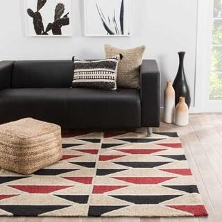 "Quinn Indoor/ Outdoor Geometric Black/ Red Area Rug (5' X 7'6"")"