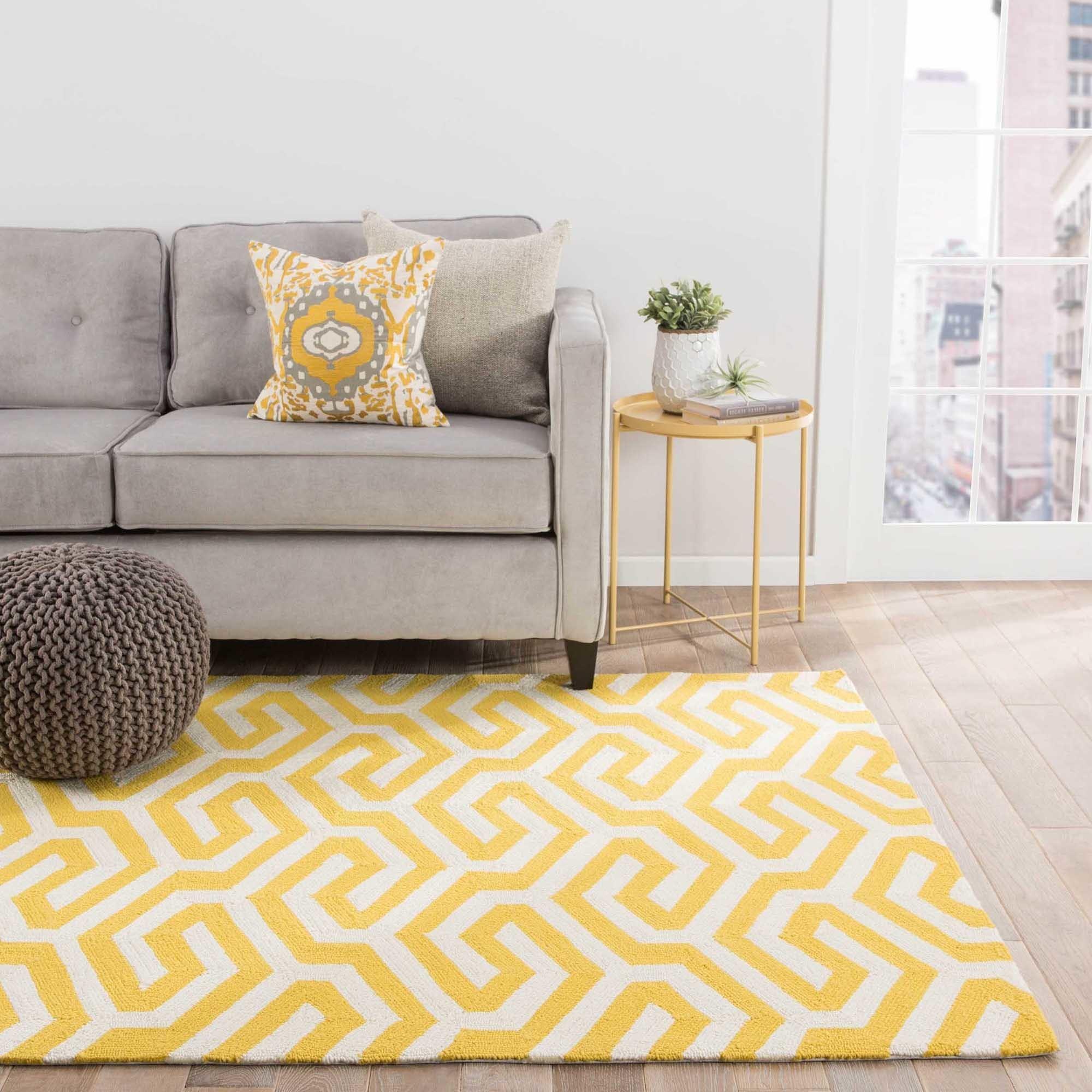 Casselton Indoor Outdoor Geometric Yellow White Area Rug 5 X 7 6 5 X 8 Surplus Overstock 12088879