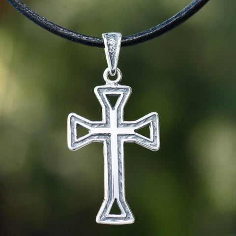 Handmade Men's Sterling Silver 'Byzantine Cross' Leather Necklace (Mexico)