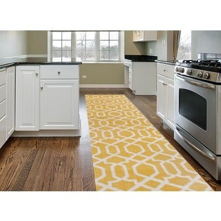 Yellow Trellis Contemporary Indoor Runner Rug (2' x 7'2)