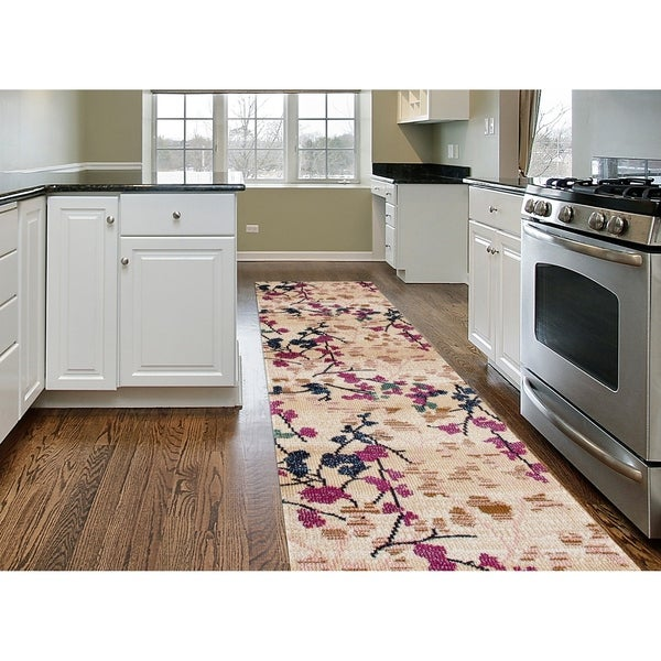 """Contemporary Floral Cream Soft Area Rug Runner (2' x 7'2) - 2' x 7'2"""""""