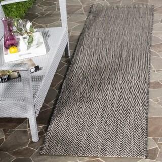 Safavieh Indoor/ Outdoor Courtyard Black/ Beige Rug (2' 3 x 8')