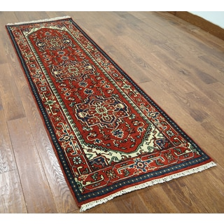 Red Wool Hand-knotted Oriental Serapi Rug (2'7 x 8'1)