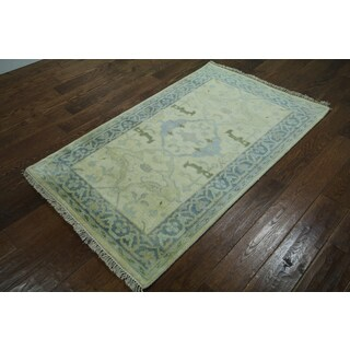 Ivory Wool Hand-knotted Oriental Oushak Rug (3'1 x 5')
