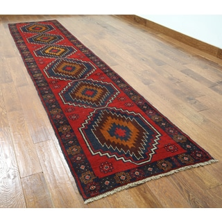 Hand-knotted Oriental Balouch Red Wool-on-wool Rug (2'9 x 12'6)