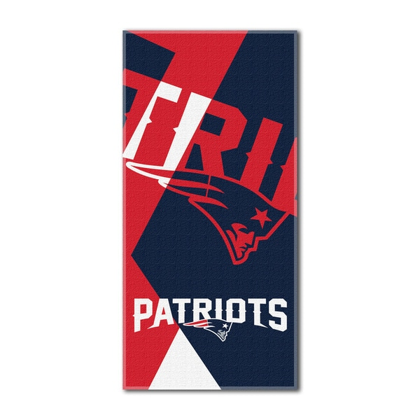 The Northwest Company NFL New England Patriots Puzzle Beach Towel
