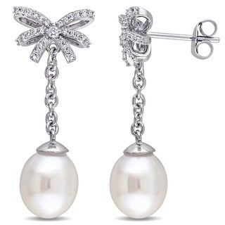 Miadora 10k White Gold 1/5ct TDW Diamond and Cultured Freshwater Pearl Bow Dangle Earrings(G-H, I2,I3) (8-8.5 mm)