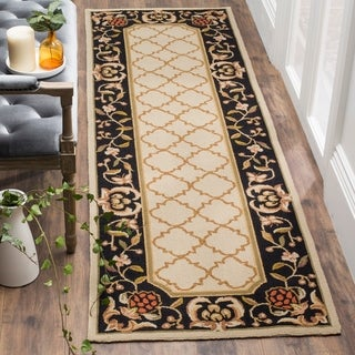 Safavieh Hand-hooked Easy to Care Ivory/ Black Rug (2' 6 x 10')