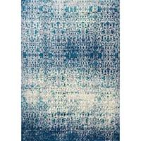 Astrid Green/Blue Polypropylene Distressed Floor Rug (5' 7 x 7' 10)