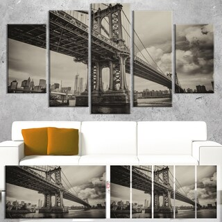Manhattan Bridge in Dark Gray - Cityscape Wall Art - Black