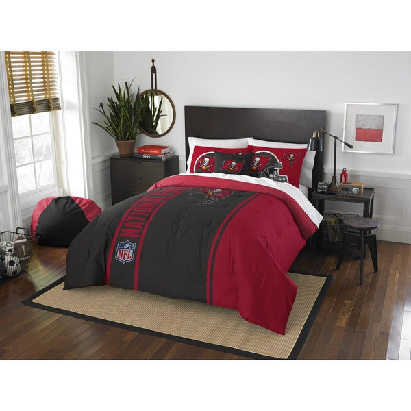 The Northwest Company Official NFL Tampa Bay Buccaneers Full Applique 3-piece Comforter Set