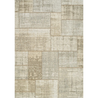 Curio Cream/ Grey Distressed Patchwork Rug (7'10 x 10'10)