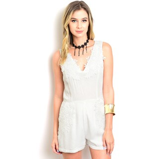 Shop The Trends Women's White Rayon Floral Sleeveless Romper|https://ak1.ostkcdn.com/images/products/12120886/P18980502.jpg?_ostk_perf_=percv&impolicy=medium