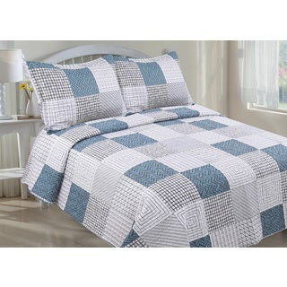 Oversized Blue and White Geometirc Quilt Set