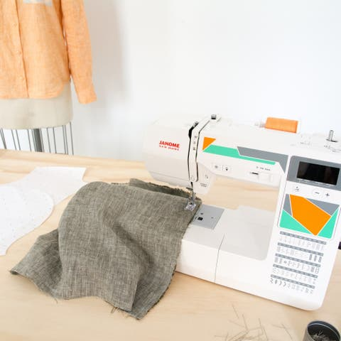 Janome MOD-50 Computerized Sewing Machine With 50 Built-In Stitches, 3 One-step Buttonholes, Drop Feed, and Accessories