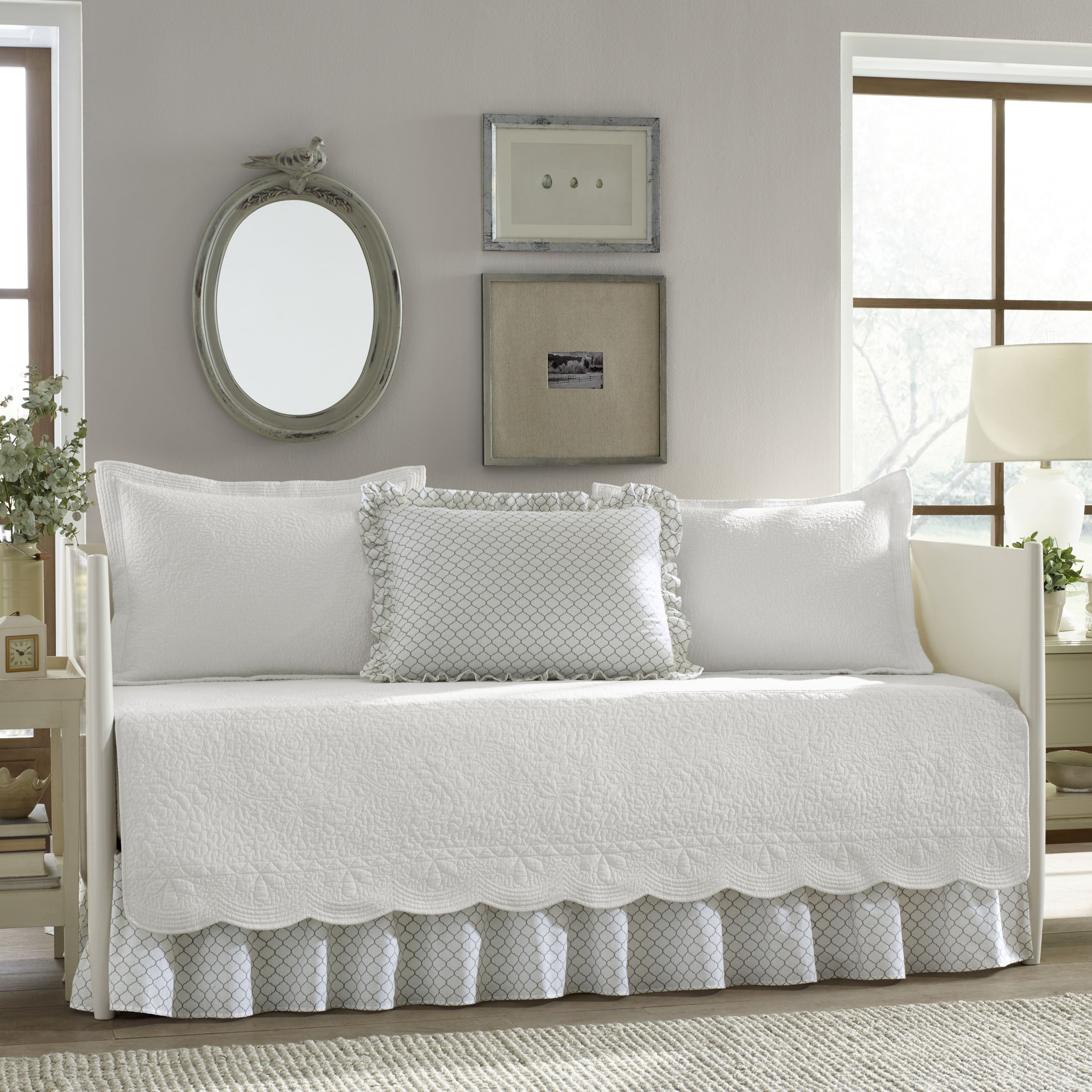 Stone Cottage Trellis White 5-Piece Daybed Cover Set (Twi...