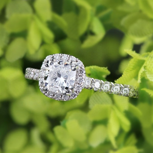 Auriya Platinum 1 1/2ct TDW Certified Cushion-Cut Diamond Halo Engagement Ring
